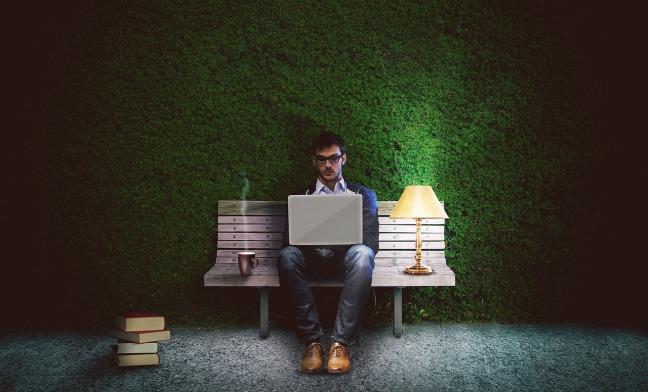 Escritor con notebook